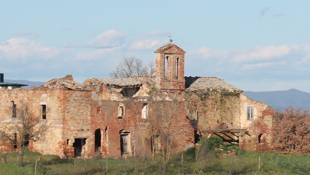 La Chiesa di San Michele, Ciarliana, a 9th century ruin across the fields from La Carliana